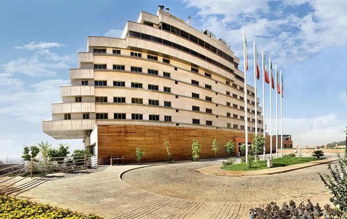هتل بزرگ شیراز با نمای کشتی