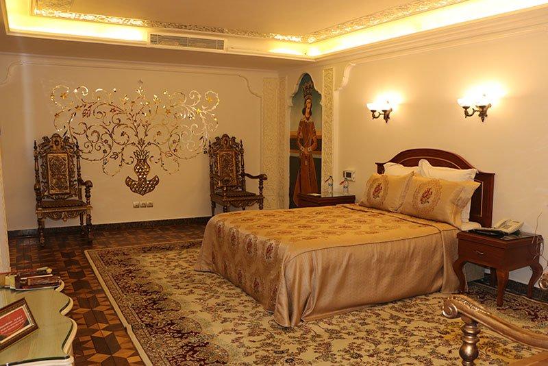 سوییت قاجاری هتل قصر طلایی