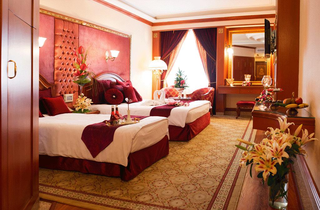 اتاق دوتخته لوکس هتل قصر طلایی