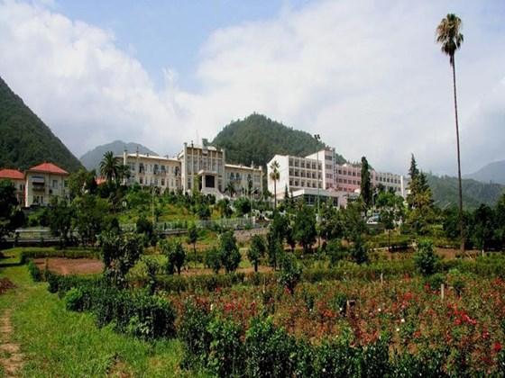 هتل  بزرگ پارسیان آزادی رامسر